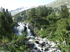 Cascade d´Aiguallut and Aneto