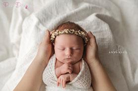 baby pucktuch baby wrap strick wrap newborn outfit pucken wrappen wrapping newborn strick Tuch Wickeltuch Neugeborenen Shooting Fotografie Photoshoot
