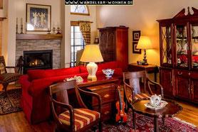 Einrichtungsstil, Wohnen, Schöner Wohnen, Wohlstil,  Kolonialstil, dunkles Holz, traditionelles Wohnen