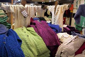 Aran-Pullover mit Zopfmuster
