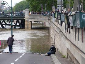 crue de la seine paris avenue pompidou