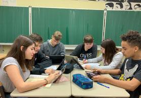 Giordano-Bruno-Gesamtschule, Tischgruppen zentral