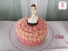 tarta comunión tradicional niña con manga pastelera rosa