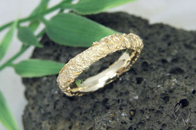Ring Gold, Zerknittert
