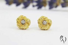 Ohrstecker Gold mit Brillant, Zerknittert