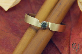 schmaler Ring Gold mit Turmalin