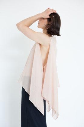transparent: schlichte Bluse in pflanzlich gefärbten altrosa