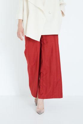 beiger bequemer Maxirock und lockere elegante Bluse in cremeweiß aus Biobaumwolle