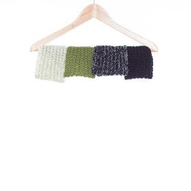 Stirnband und Schal im Set, handgestrickt mit Biowolle in cremeweiß und grün