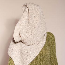 großer beiger Schal aus Kaschmir und Biowolle handmade in Berlin