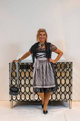 Designerdirndl, Luxusdirndl, Dirndlunikat, elegant, schwarz/silber