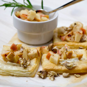 Puff pastry with goat cheese, marinated apples and walnuts.