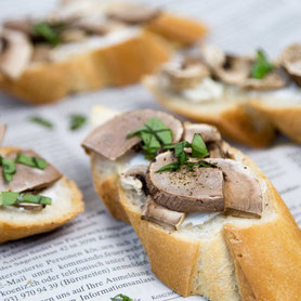 Steam oven recipe: Mushrooms-Goatcheese-Basil-Bruschetta.