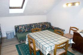 Kastnerhof Ferienwohnung 55 qm - Wohn- und Essbereich