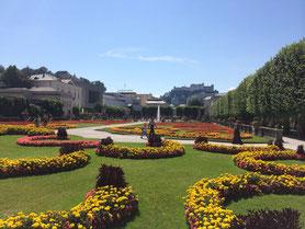 Der Mirabell-Garten in der nahe gelegenen Mozart-Stadt Salzburg