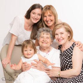 photo de famille; photo de génération; photo filles