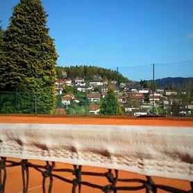 Tennis spielen auf einer der schönsten Anlagen des Bayerischen Waldes, Tennisplatzvermietung, Tennisschule, Tenniskurse, Saisonvorbereitung, Tennis Camps in Bodenmais
