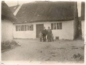 Strohhaus um 1920 Foto: Ernst Hering