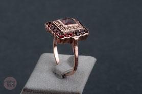 Vintage Ring mit Granat und Markasiten  800 Silber  mit 18k Roségold plattiert (20 Milliém)  Ringgröße 60 (19mm)