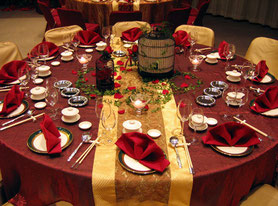 mesa navideña decorada
