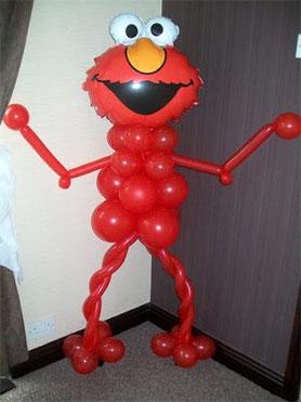figura de globos elmo