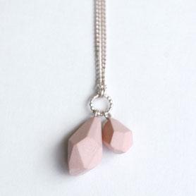 roze porseleinen ketting