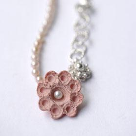 zeeuwse sieraden, ketting porselein roze