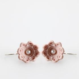 oorbellen porselein roze, zeeuwse sieraden