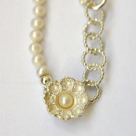 zeeuwse ketting met witte parels, zeeuwse sieraden