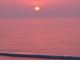 鎌倉から太平洋を臨む