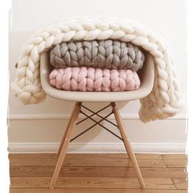 hochwertige Strickwolldecken aus 100% Merinowolle