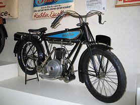 Moto 250 cm3 type R2 de 1925 - Monet & Goyon