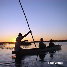 Botswana Safaris - Kanufahrt im Okavango Delta