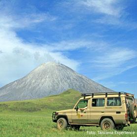 Der Kilimanjaro in Tanzania mit dem Geländewagen
