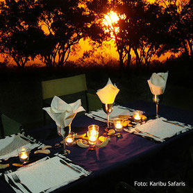 Luxuriöse Botswana Safaris - Dinner in der Lodge