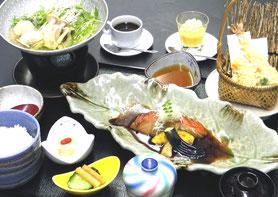 煮魚御膳 1,600円(税別)