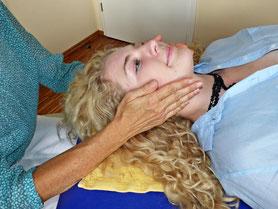 Kieferentspannung, Kiefer-RESET löst Spannungen und Verspannungen im ganzen Körper, in der Wirbelsäule, Muskeln und im Nervensystem.