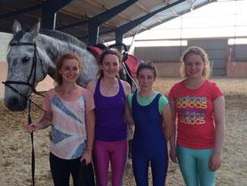 Tabea, Chiara, Elena und Carolin mit Colman im Juni 2016
