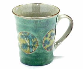 九谷焼通販 おしゃれなマグカップ マグ 丸紋松竹梅緑塗り『裏絵』正面の図