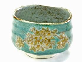 九谷焼通販 おしゃれな抹茶茶碗 抹茶碗 茶道具 しだれ桜 緑塗り 正面の図