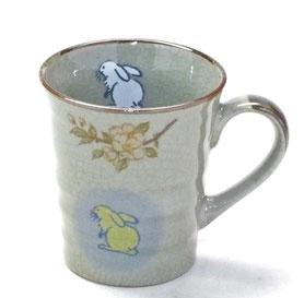 九谷焼通販 おしゃれなマグカップ マグ 白兎しだれ桜 中裏絵 正面の図