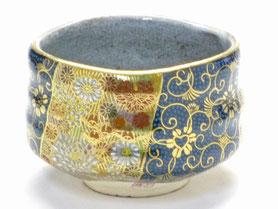 九谷焼通販 おしゃれな抹茶茶碗 抹茶碗 茶道具 青粒 金花詰 正面の図