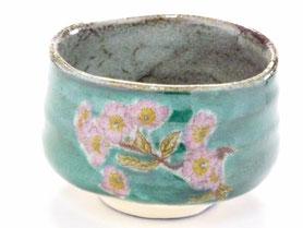 九谷焼通販 おしゃれな抹茶茶碗 抹茶碗 茶道具 ソメイヨシノ 桜 緑塗り 正面の図