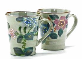 九谷焼通販 おしゃれなマグカップ マグ ペア セット がく紫陽花ピンク+ブルー&和桜  裏絵 正面の図