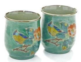 九谷焼通販 おしゃれなお湯呑 湯飲み ゆのみ茶碗 ペア 夫婦湯呑 椿に鳥緑塗り 裏絵