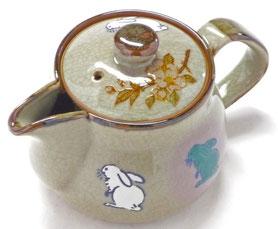 九谷焼通販 おしゃれな急須 茶器 ティーポット 小 白兎しだれ桜『裏絵』正面の図
