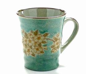 九谷焼通販 おしゃれなマグカップ マグ しだれ桜緑塗り『裏絵』正面の図
