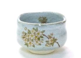 九谷焼通販 おしゃれな抹茶茶碗 抹茶碗 茶道具 しだれ桜 中絵 正面の図