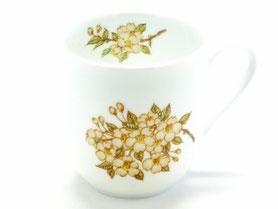 九谷焼通販 おしゃれなマグカップ マグ 磁器 しだれ桜 中裏絵 正面の図