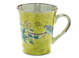 九谷焼通販 おしゃれなマグカップ マグ 黄塗り金糸梅に鳥『裏絵』正面の図